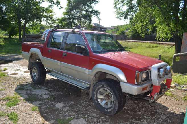 Mitsubishi Strada, 1991 год, 320 000 руб.