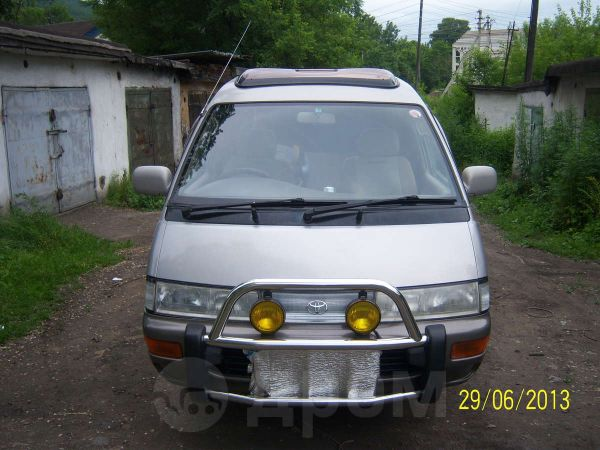 Toyota Town Ace, 1996 год, 235 000 руб.