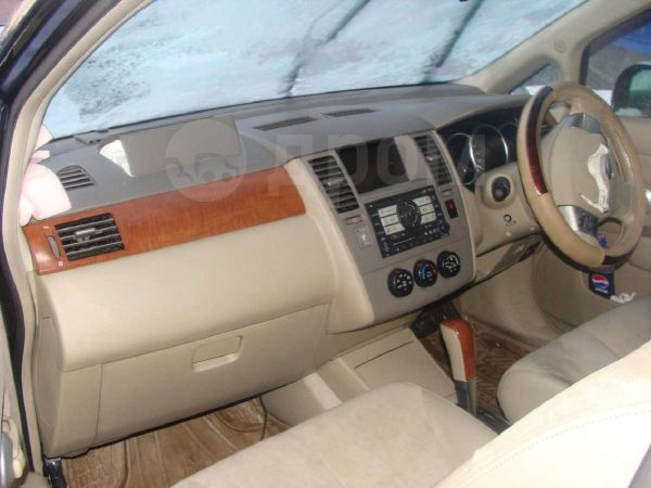 Nissan Tiida Latio, 2005 год, 120 000 руб.