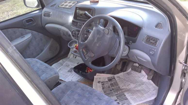 Toyota Raum, 1998 год, 145 000 руб.