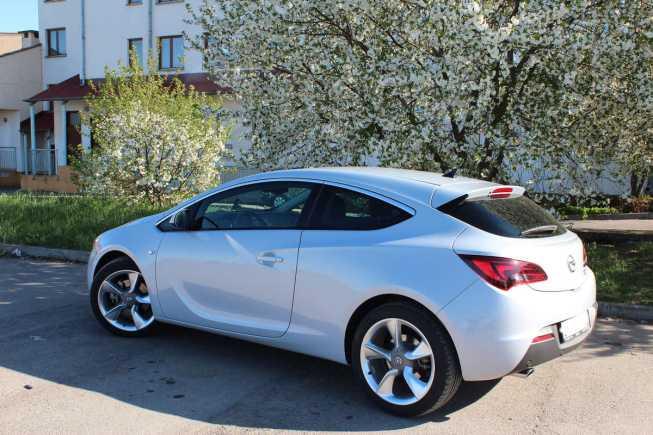 Opel Astra GTC, 2012 год, 700 000 руб.
