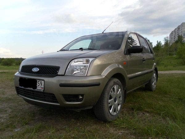 Ford Fusion, 2004 год, 245 000 руб.