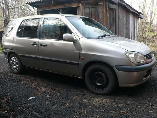 Toyota Raum, 2000 год, 180 000 руб.