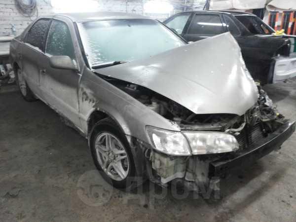 Toyota Camry, 2000 год, 120 000 руб.