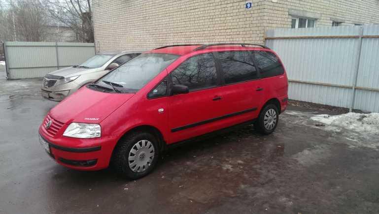 Volkswagen Sharan, 2000 год, 260 000 руб.