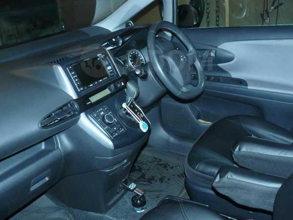Toyota Wish, 2010 год, 740 000 руб.