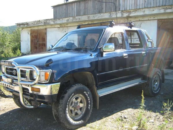 Toyota Hilux Pick Up, 1996 год, 610 000 руб.