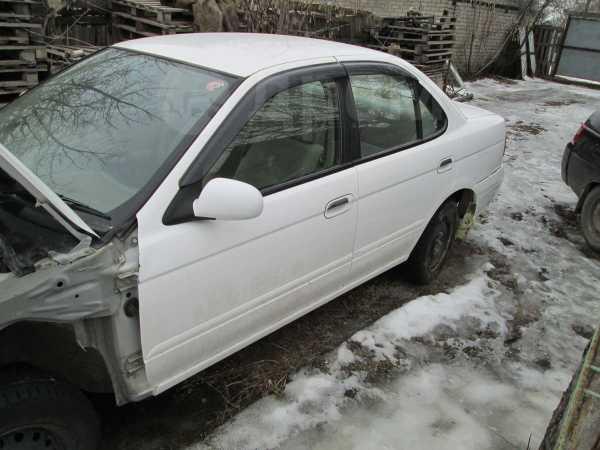 Nissan Sunny, 2003 год, 110 000 руб.