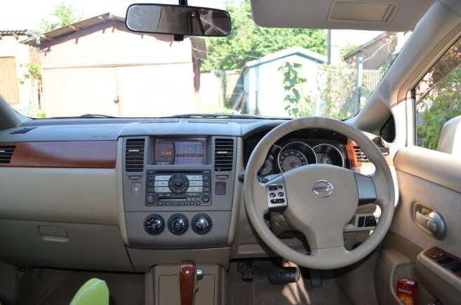 Nissan Tiida Latio, 2005 год, 340 000 руб.