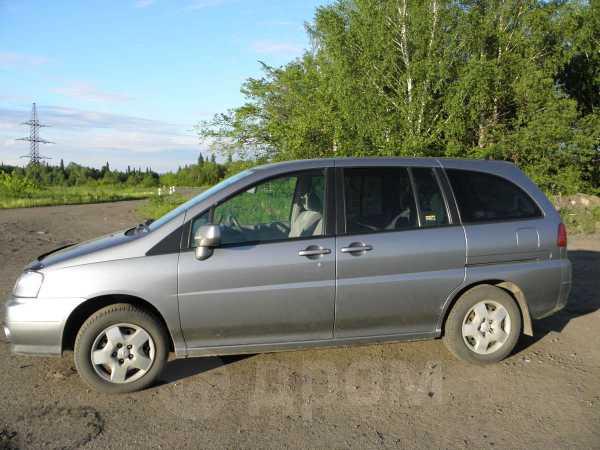 Nissan Liberty, 2000 год, 238 000 руб.