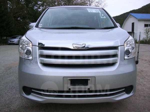 Toyota Noah, 2008 год, 700 000 руб.