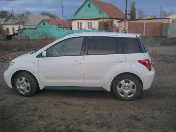 Toyota ist, 2002 год, 200 000 руб.