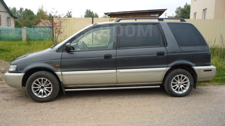 Mitsubishi Space Wagon, 1998 год, 185 000 руб.