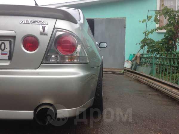 Toyota Altezza, 2000 год, 410 000 руб.