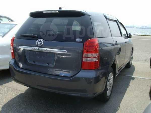Toyota Wish, 2004 год, 360 000 руб.
