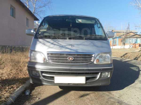 Toyota Hiace, 2002 год, 590 000 руб.