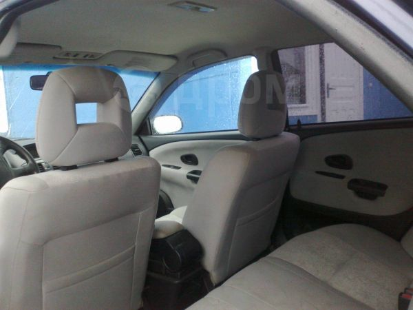 Mitsubishi Carisma, 2002 год, 200 000 руб.
