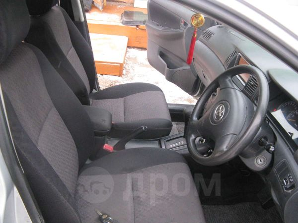 Toyota Corolla Fielder, 2003 год, 355 000 руб.