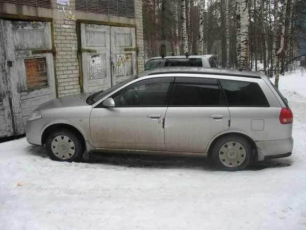 Nissan Wingroad, 2001 год, 255 000 руб.