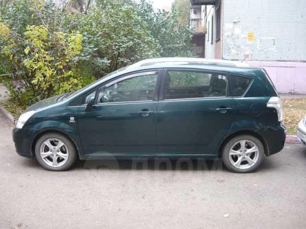 Toyota Corolla Verso, 2004 год, 350 000 руб.