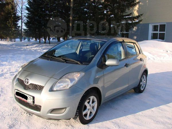 Toyota Yaris, 2009 год, 390 000 руб.