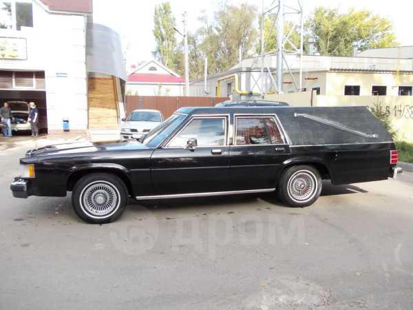 Lincoln Town Car, 1988 год, 299 000 руб.