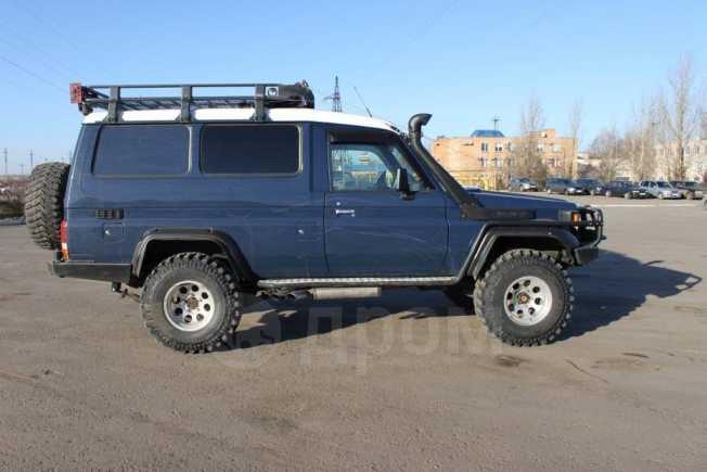 Toyota Land Cruiser, 2001 год, 1 300 000 руб.