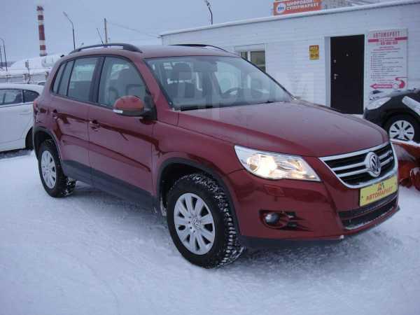 Volkswagen Tiguan, 2010 год, 875 000 руб.