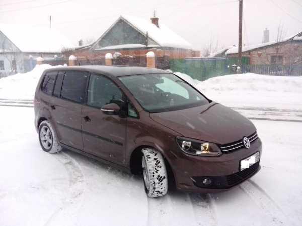 Volkswagen Touran, 2012 год, 900 000 руб.