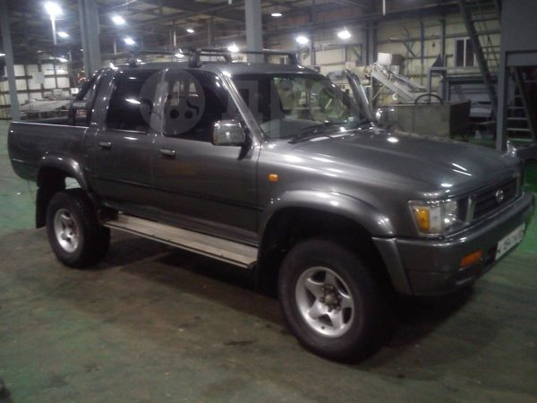 Toyota Hilux Pick Up, 1992 год, 600 000 руб.