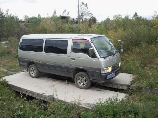 Nissan Caravan, 2000 год, 350 000 руб.