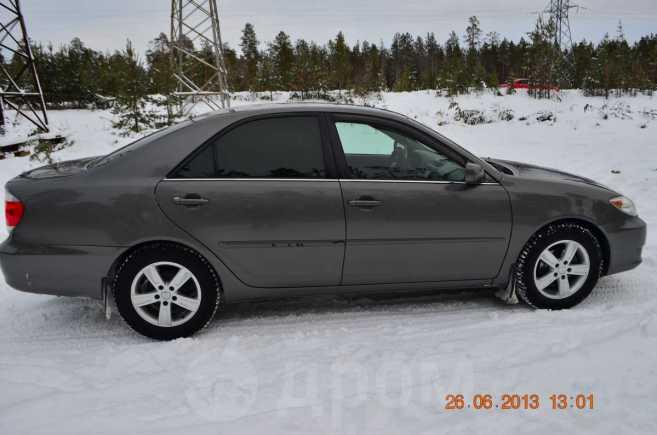 Toyota Camry, 2004 год, 590 000 руб.