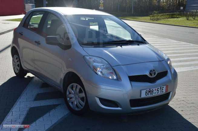 Toyota Yaris, 2010 год, 430 000 руб.