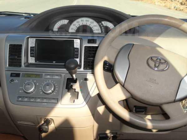 Toyota Raum, 2005 год, 285 000 руб.