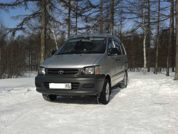 Toyota Town Ace, 2003 год, 380 000 руб.