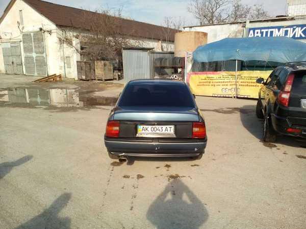 Opel Vectra, 1989 год, 217 168 руб.