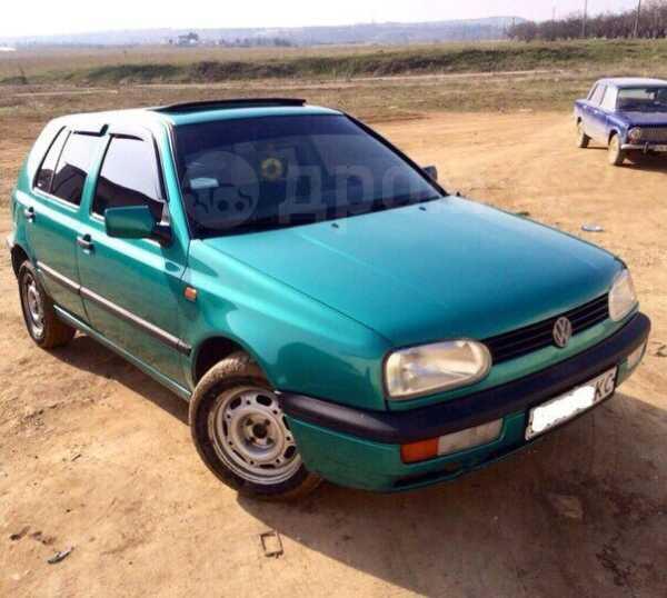 Volkswagen Golf, 1993 год, 586 940 руб.