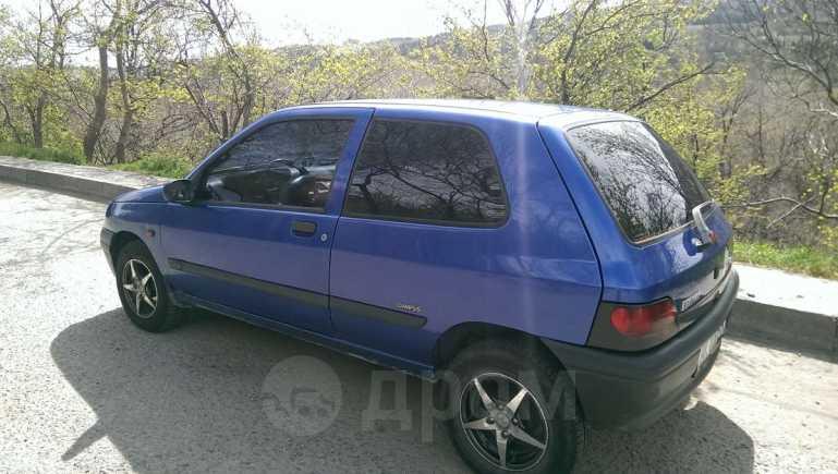 Renault Clio, 1997 год, $2800