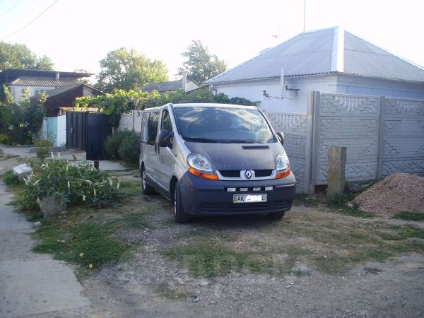 Renault Trafic, 2004 год, $11000