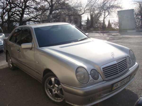 Mercedes-Benz E-Class, 1996 год, $12500