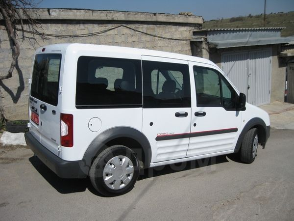 Ford Tourneo Connect, 2010 год, 821 657 руб.