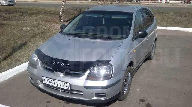Nissan Tino, 2001 год, 300 000 руб.