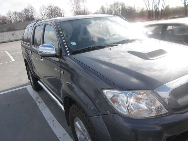 Toyota Hilux Pick Up, 2009 год, 955 000 руб.