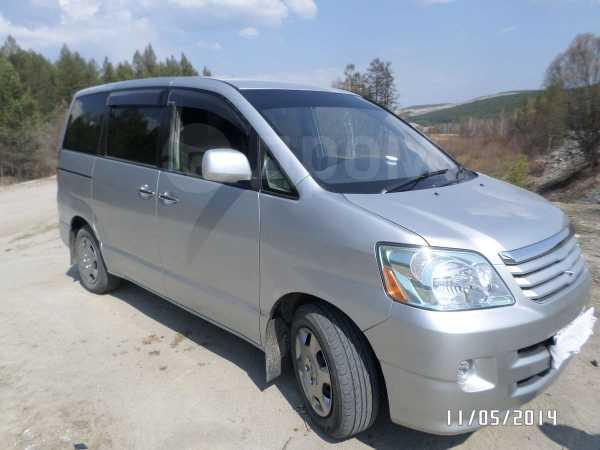 Toyota Noah, 2006 год, 580 000 руб.