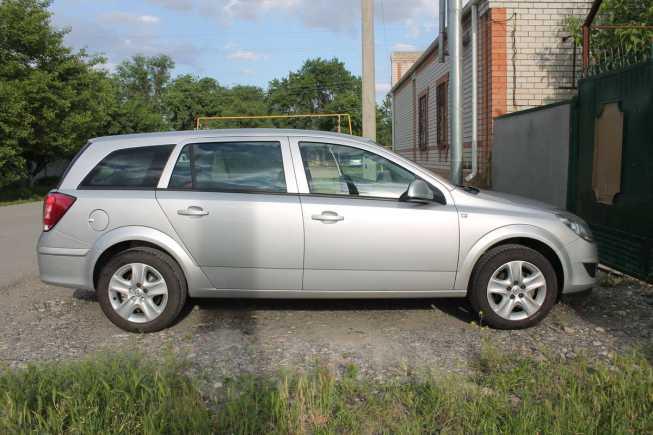 Opel Astra Family, 2012 год, 550 000 руб.