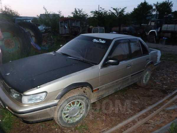 Nissan Bluebird, 1990 год, 40 000 руб.