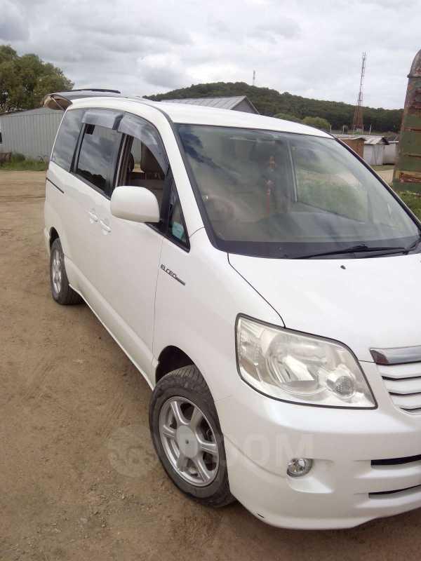 Toyota Noah, 2003 год, 505 000 руб.