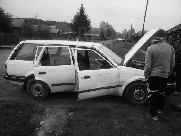 Mazda Familia, 1983 год, 10 000 руб.