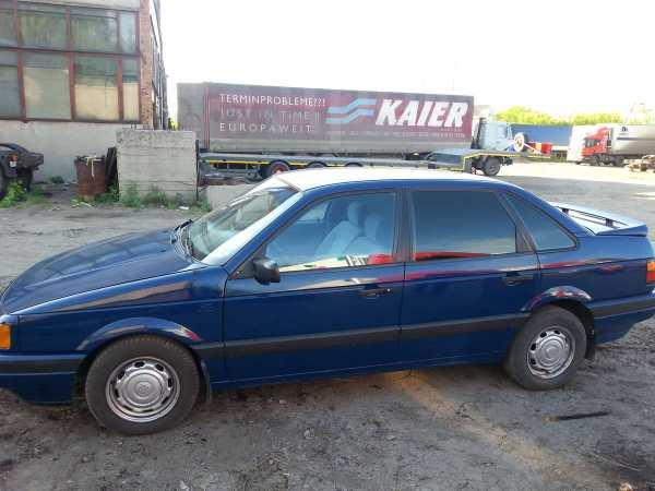 Volkswagen Passat, 1988 год, 111 000 руб.