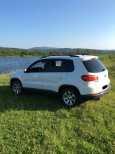 Volkswagen Tiguan, 2011 год, 600 000 руб.